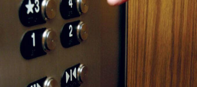 Diálogo no elevador
