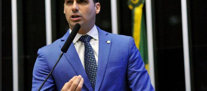 Eduardo Bolsonaro entrevista Olavo de Carvalho